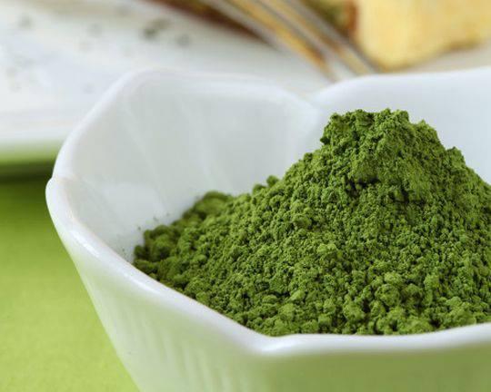 Bột matcha có màu xanh của búp trà non, hương thơm dịu nhẹ, thanh mát
